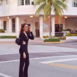 black outfit miami beach influencer